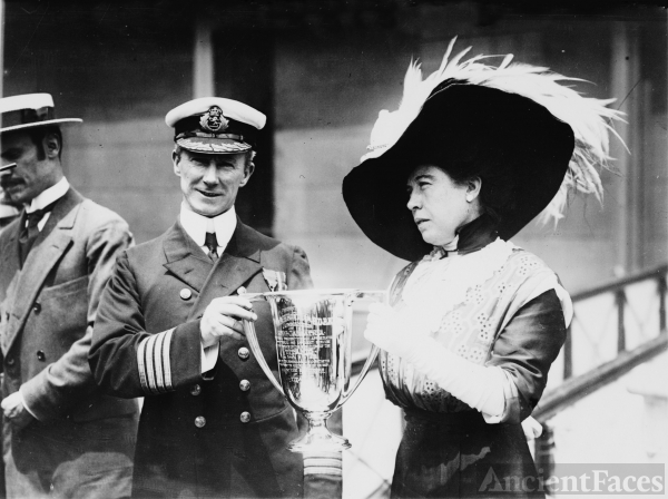 The Unsinkable Molly Brown - RMS Titanic