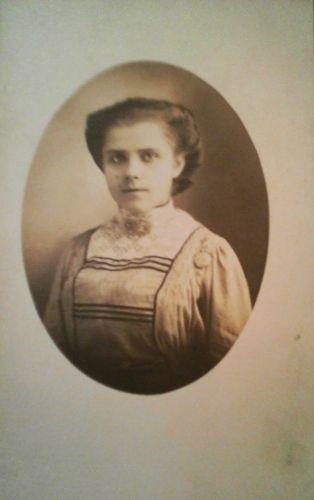 Unknown woman, postcard