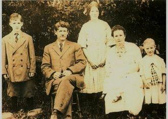 Herbert  B. Fulton and Family, 1912