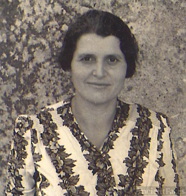 Rosina Velona