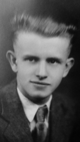 A photo of Lyle Clyde Bauguess
