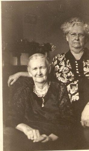 Mary Lou Hammons & Sadie Brown, Missouri
