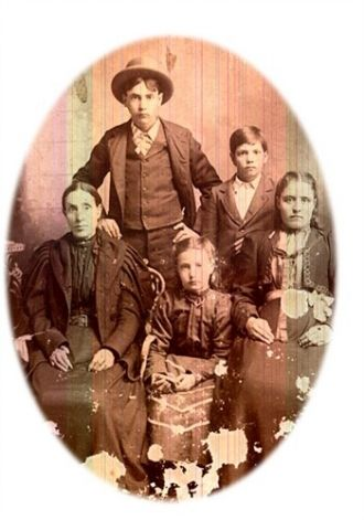 Lucinda and children