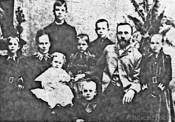 William J Benning Family