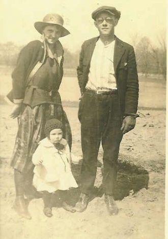 Clay & Margaret (Dodd) Colglazier & Daughter