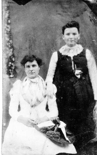 Laura and Eugenia Dickson, c1890