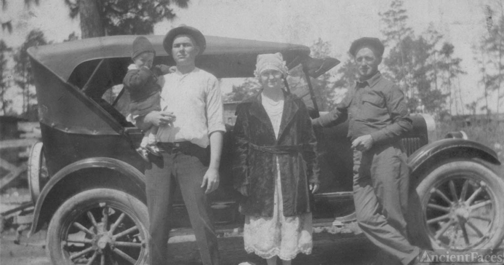 The Lindsey Family, 1923
