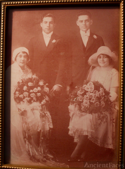 Mary & John S Lopes