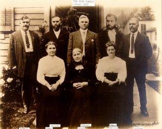 Anna (Streit) Baur & Children, 1912 OH