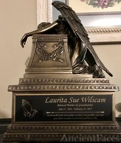Laurita Wilscam Urn