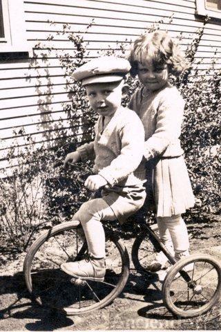 Lorenzo & Lorene Carter, 1933
