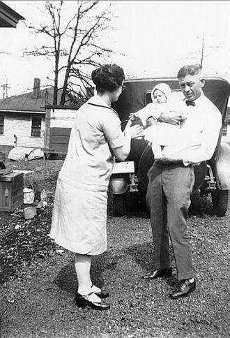 Daisy & G.V. Newell, Tennessee 1927