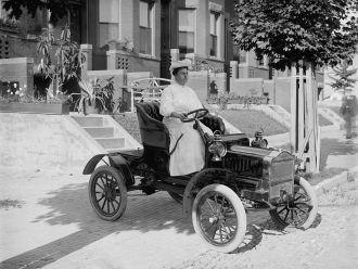 Vintage Car Mrs Guy Henry