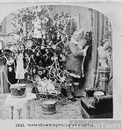 Santa Claus telephoning