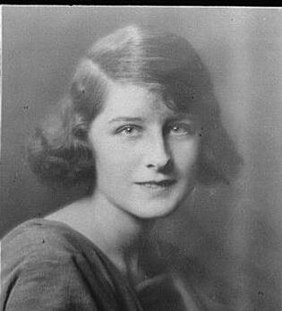 Portrait photograph of Norma Shearer