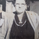 this is my grandmother esther amelia marshall born 16th of may1895 passed 3rd of july 1972 she married george henery barry