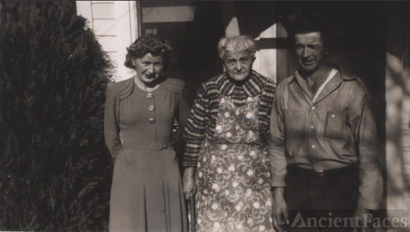 Erma, Anna, & Walt Frohlick