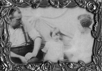 Warren,Patricia & Ida Cadwell