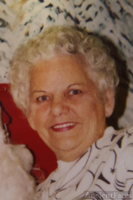 Eileen E Uminski