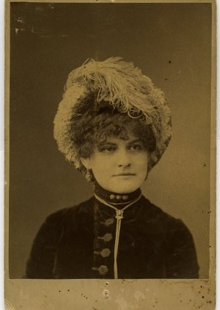 Steele Alida (wife of Samuel F. Newton)