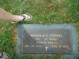 William Clyde Daniel Army Foot Stone