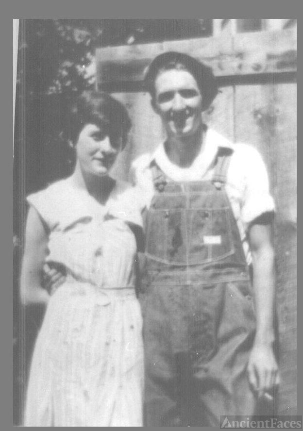 Clarence and Molly (HOGAN) NELSON