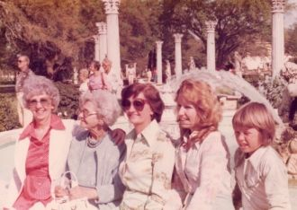Olive V. (Johns) Lee family