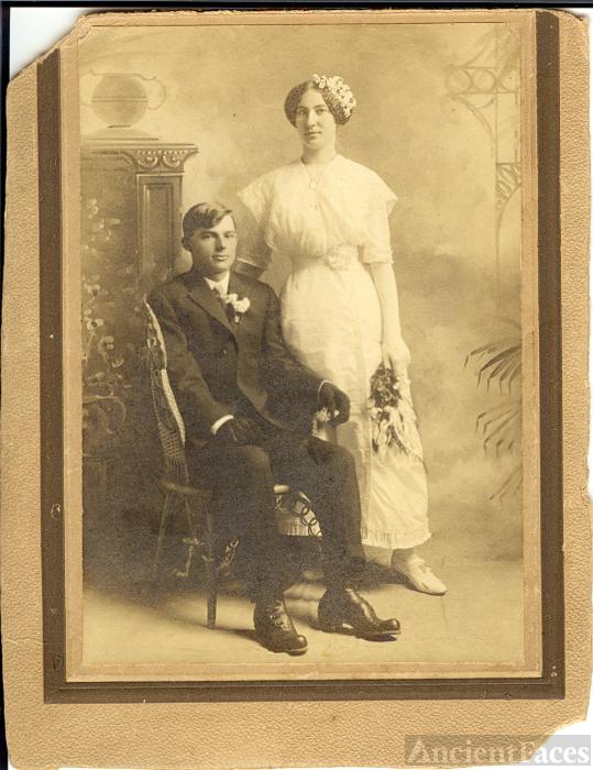 Wedding portrait taken in 1913, Hazen, Prairie County, AR, USA