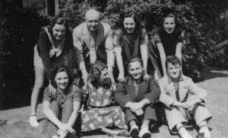 Judy Garland & family circa 1936
