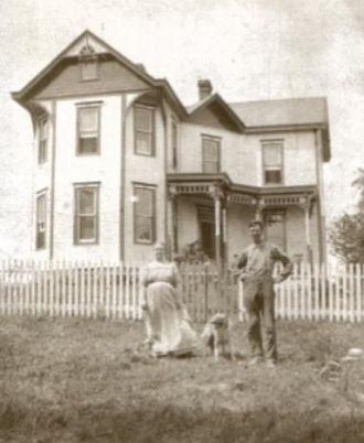 Obediah & Arra Bell Horner at their home