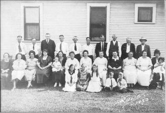 Leo Page & family, 1922 Iowa