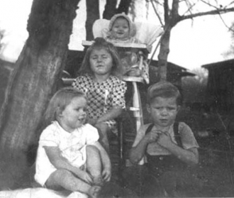 Troy & Velma Allmon's children - 1946