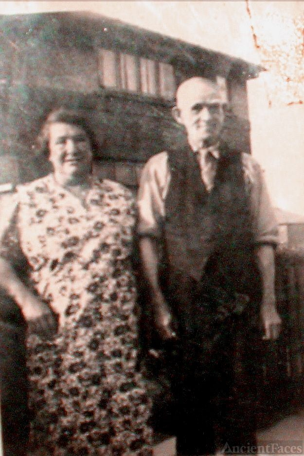 John Tarpey and wife Jane Tilley in front of house