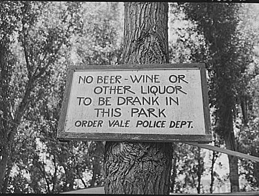 Oregon sign, Dust Bowl refugees 1941