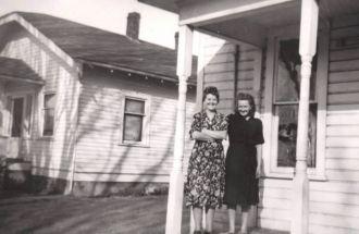 Ella Carter and Nellie Neyens