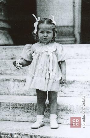 Giuliana Di Castro Colomba 1943