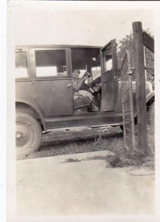 Cecilia Benda in a car