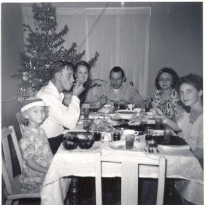 Short Family Christmas Dinner