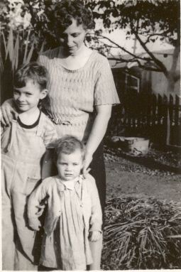 Carole Nelson and Frank and Ida Short