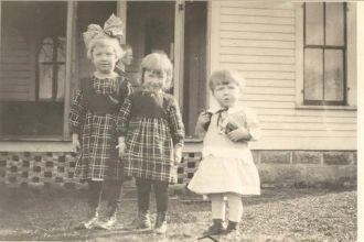 Siblings Madelyn, Rachel, and Donald Kerr ca 1918