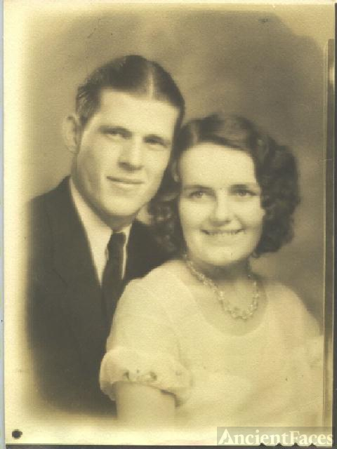 Arthur and Nancy Lacey wedding picture