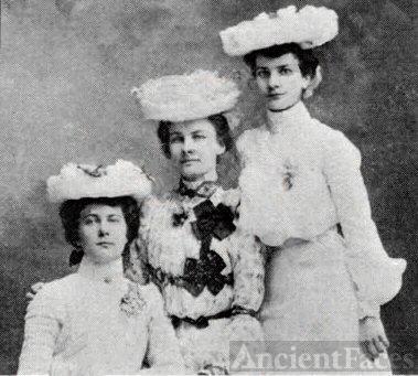 Margaret, Anna, & Jennie Deditz , Iowa