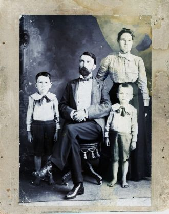 Dr. Frank Ellis Family, 1897