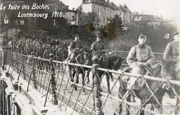 Retreating German troops, 1918