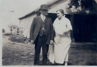 Clara Rowland (Bones) & James Holden