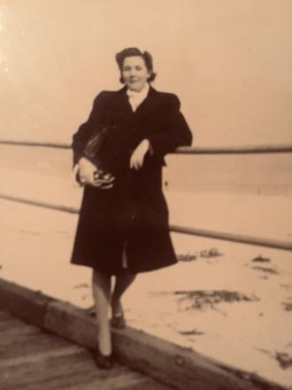 Adria Lorraine Edna (Crawn ) Reinhardt