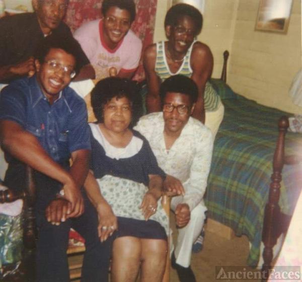 Eva and James R Berry family