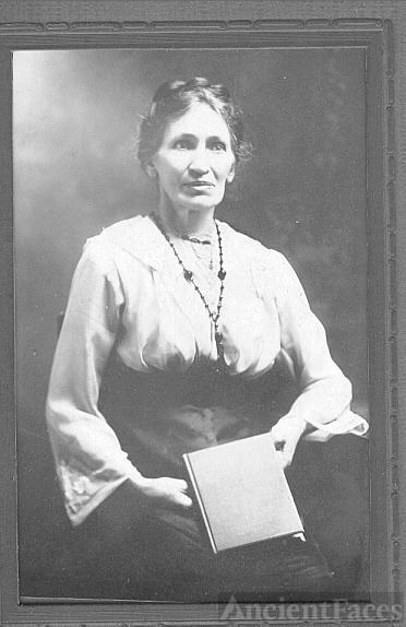 Anna Laude Harloff