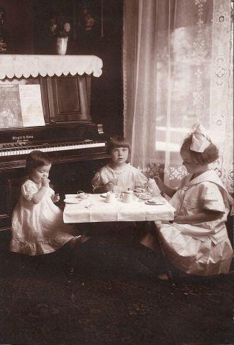 Paul, Cecelia and Grace Braunger