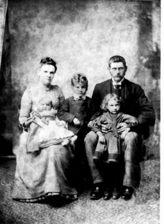 William & Jessie Simpson Preston w/ children
